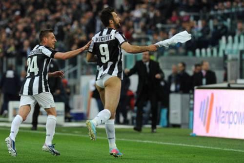 Vucinic trong trận thắng của Juventus.