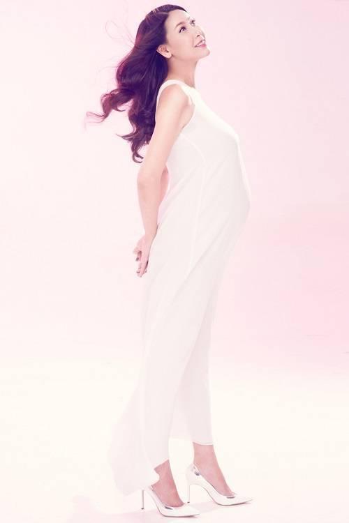 saostar - Ha Kieu Anh - mang bau - dua con thu ba (3)