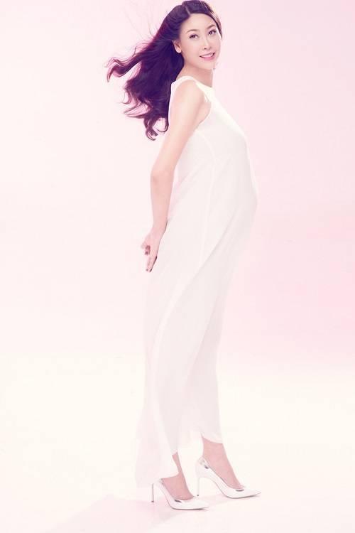 saostar - Ha Kieu Anh - mang bau - dua con thu ba (4)