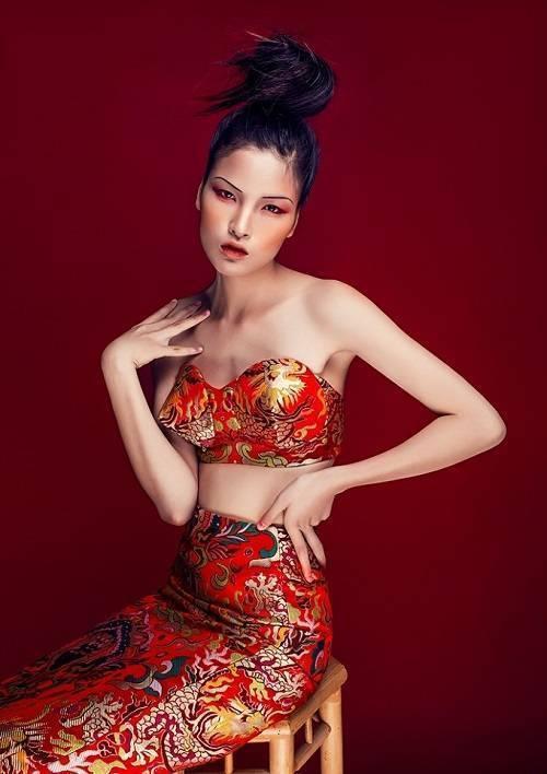 saostar - mau Viet - chinh phuc lang thoi trang quoc te (1)