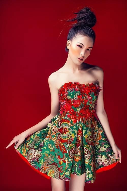 saostar - mau Viet - chinh phuc lang thoi trang quoc te (2)