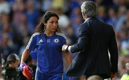 Mourinho đang đối diện nguy cơ bị cấm chỉ đạo 5 trận.