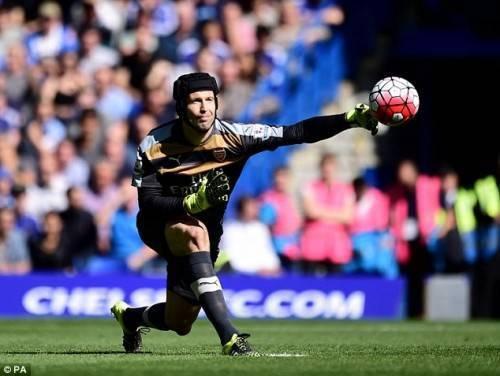 Petr Cech luôn là thủ môn tuyệt vời nhất trong lòng của fan Chelsea.