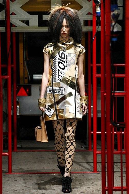 saostar - Hoang Thuy - KTZ - London Fashion Week (10)