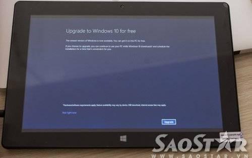 Và ngay từ lần mở máy đầu tiên, Cink Tab EX10415W đã hỗ trợ việc nâng cấp lên Windows 10 miễn phí