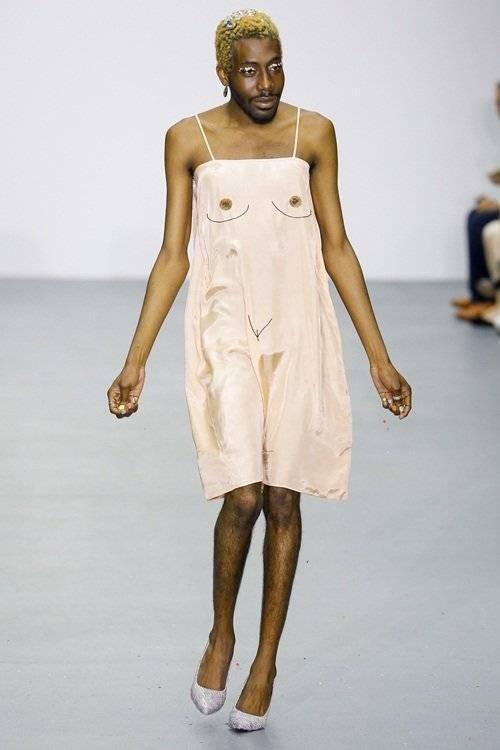 saostar - mẫu nam gây sốc - London Fashion Week (10)