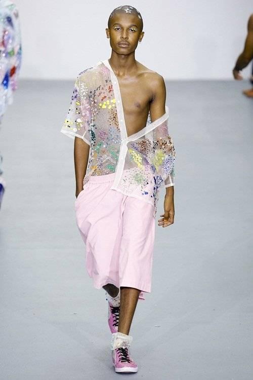 saostar - mẫu nam gây sốc - London Fashion Week (9)