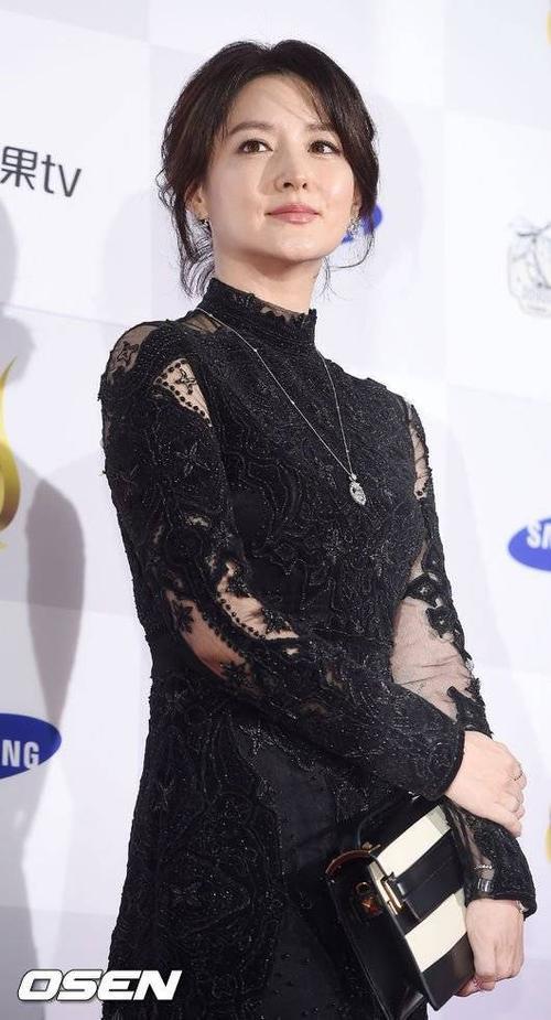 Diễn viên Lee Young Ae.
