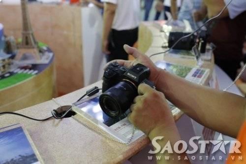 Tận tay trải nghiệm chiếc máy ảnh Sony A7R II