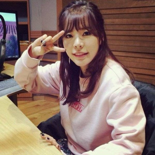Sunny của nhóm SNSD vẫn làm việc trong chương trình phát thanh riêng.