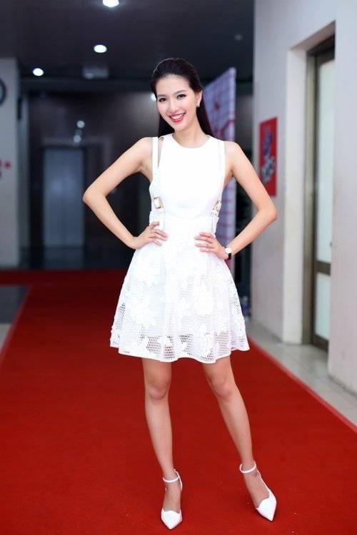 saostar - MC MY Linh - Hình 1