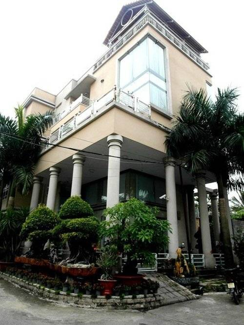 Căn biệt thự này từng là niềm hãnh diện với bạn bè của nghệ sĩ Phước Sang.