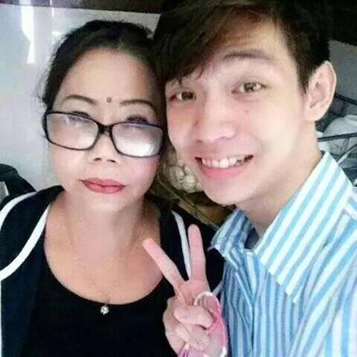 Chị Nguyệt cùng đứa con út.