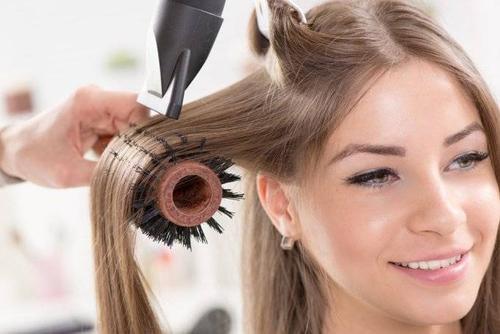 chọn lược chải tóc
