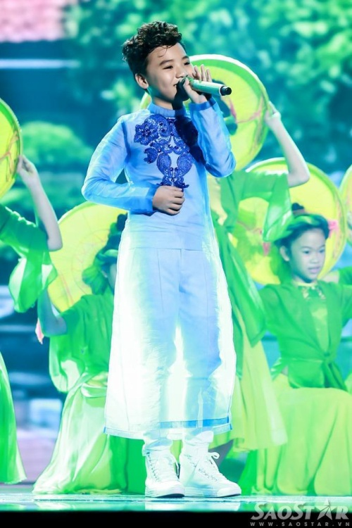 saostar - Cong Quoc - The voice Kids (12)