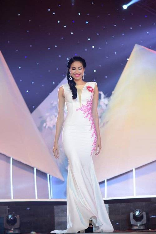 Á khôi thể thao thế giới Phạm Hương trong cuộc thi Hoa hậu Việt Nam 2014.