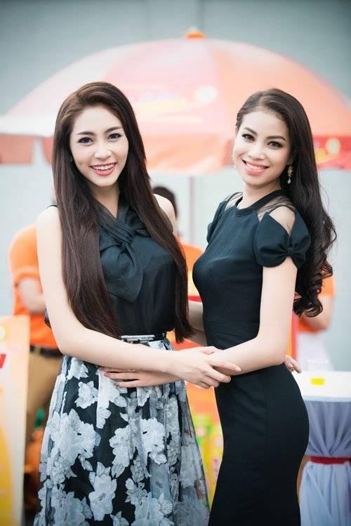 Cô và Đặng Thu Thảo - Hoa hậu Đại dương khá thân thiết.