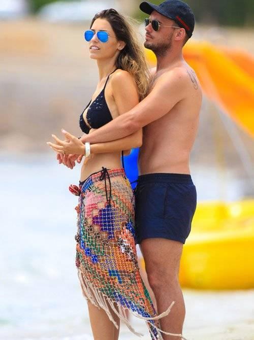 Với Sneijder, những giây phút bên vợ thật là hạnh phúc