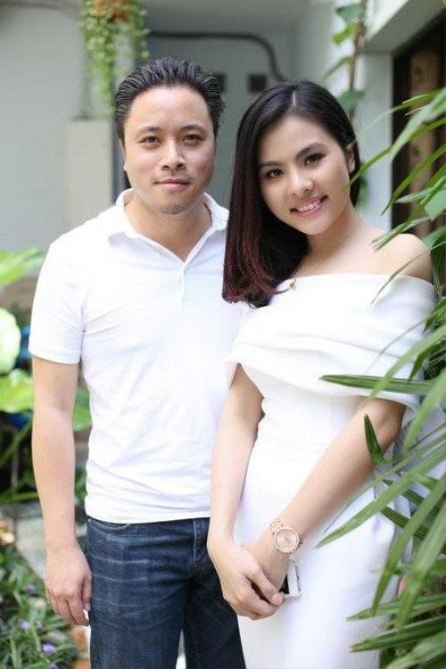 Victor Vũ và Vân Trang thời mặn nồng.