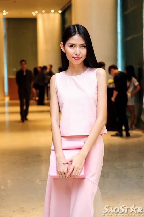 Người mẫu Thùy Dương.