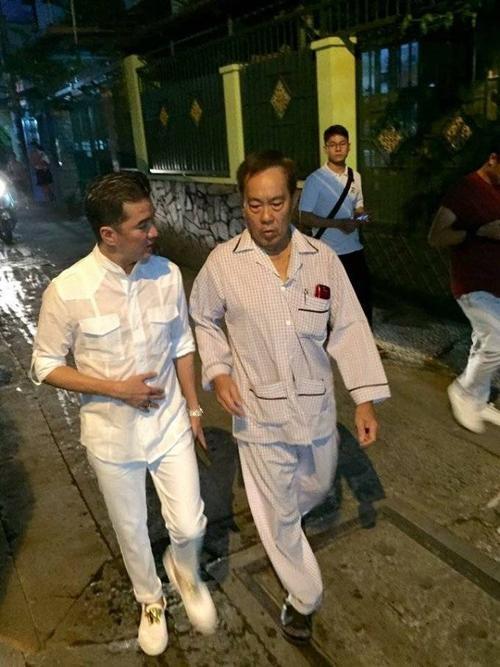 Nam HLV Giọng hát Việt tìm đến gặp tác giả tài hoa này tại căn nhà nhỏ nằm trong con hẻm xưa của TP HCM - đây là nơi mà nhạc sĩ Tô Thanh Tùng được một người bạn cho ông ở tạm để tiện việc chữa trị.