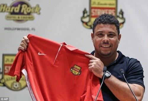 Ro béo trong ngày ra mắt CLB Fort Lauderdale Strikers đầu năm 2015.