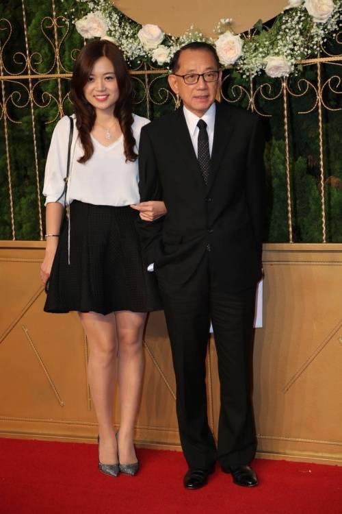 Ông chủ Anh Hoàng - Dương Thụ Thành và bạn gái.