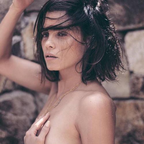 Nữ diễn viên được chồng ủng hộ chụp ảnh nude.