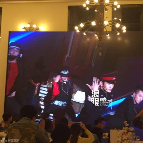Huỳnh Hiểu Minh nhái G-Dragon.