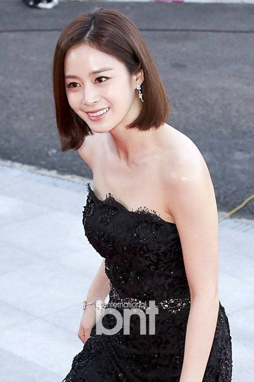 Năm nay, Kim Tae Hee nằm trong đề cử Nữ diễn viên chính xuất sắc nhất cho diễn xuất trong Yong Pal. Bộ phim của bạn gái Bi Rain có tỷ suất em đài khá cao. Các đối thủ của Kim Tae Hee là Kim Hee Sun, Park Shin Hye, Jang Nara và Hwang Jung Eum.