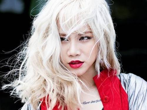 Yến Lê là ca sĩ đa năng, hát tốt và có khả năng sáng tác.