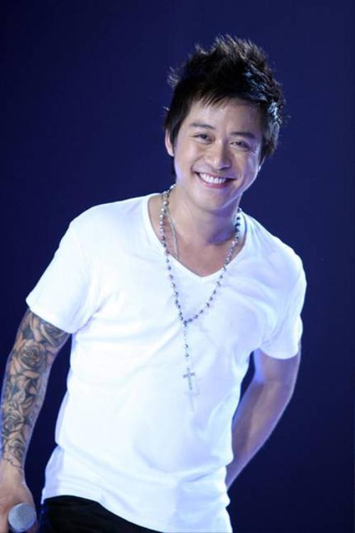 tuan-hung-ky-duyen-phong-cach-xin-loi-kieu-ngoi-sao-chan-dong-showbiz2