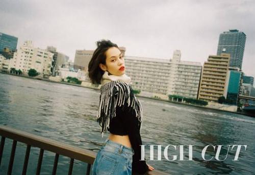 Mizuhara Kiko trên tạp chí High Cut của Hàn Quốc.