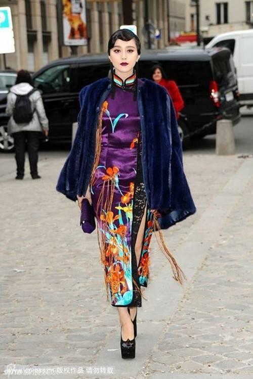 """Có thể nói, Phạm Băng Băng là nữ diễn viên được chú ý nhất nhì hiện nay. Khi xuất hiện tại các sự kiện quốc tế, cô nổi bật với gu thời trang riêng. Một trào lưu """"Phong cách Phạm"""" hình thành ở Paris."""