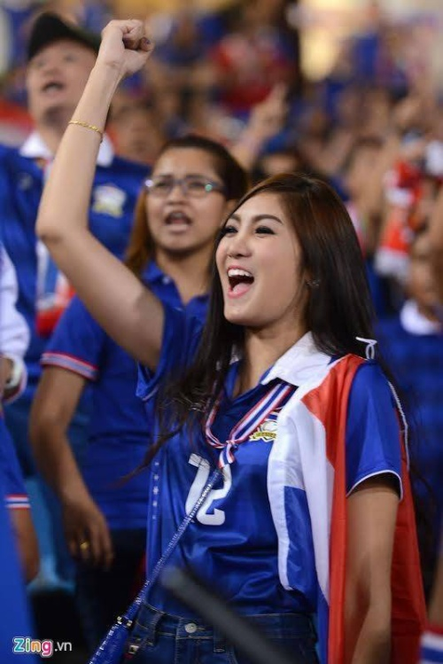 nu-cdv-thai-lan-xinh-dep-thieu-dot-san-my-dinh (1)