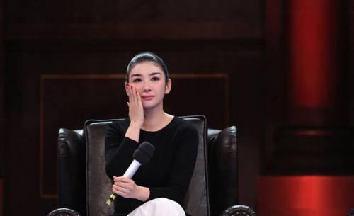 Huỳnh Dịch khóc mong trở lại showbiz nhưng không được đoái hoài.