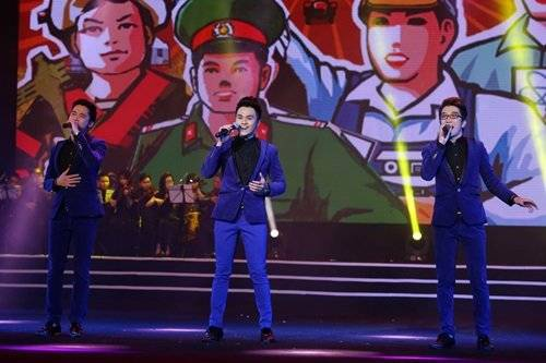 Ayor mang đến bài hát Tổ quốc gọi chúng tôi lên đường. Vì cậu em út Khắc Minh đang tham gia cuộc thi Học viện ngôi sao nên nhóm chỉ xuất hiện với 3 thành viên.