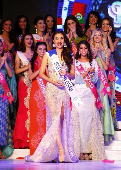 Vẻ đẹp rạng ngời của Hoa hậu Du lịch Quốc tế 2012.
