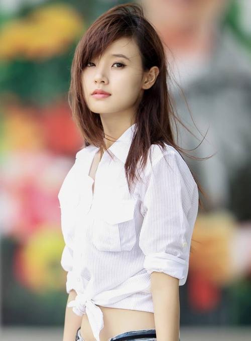 Hot girl - diễn viên Midu.