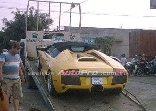 Siêu bò hàng độc Lamborghini Murcielago LP 640 Roadster bị tịch thu do liên quan biển giả.