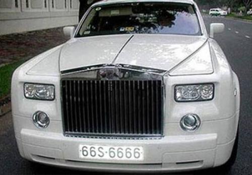 Rolls-Royce Phantom với chiếc biển kiểm soát giả tứ quý 6 tại Đồng Tháp nổi tiếng nhất Việt Nam.