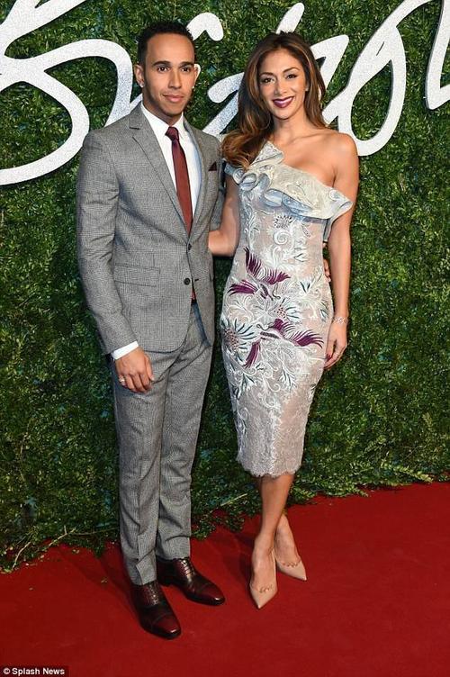 Nicole và bạn trai cũ - tay đua Lewis Hamilton từng có 7 năm gắn bó trước khi chia tay.