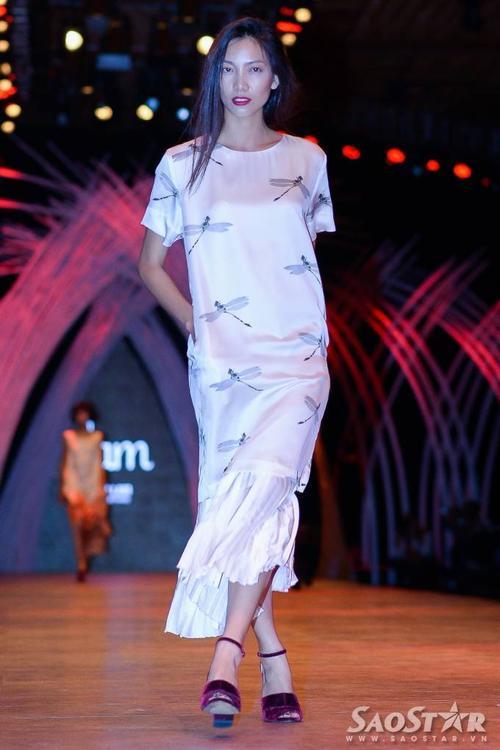 Bay bổng với thiết kế của NTK Li Lam.