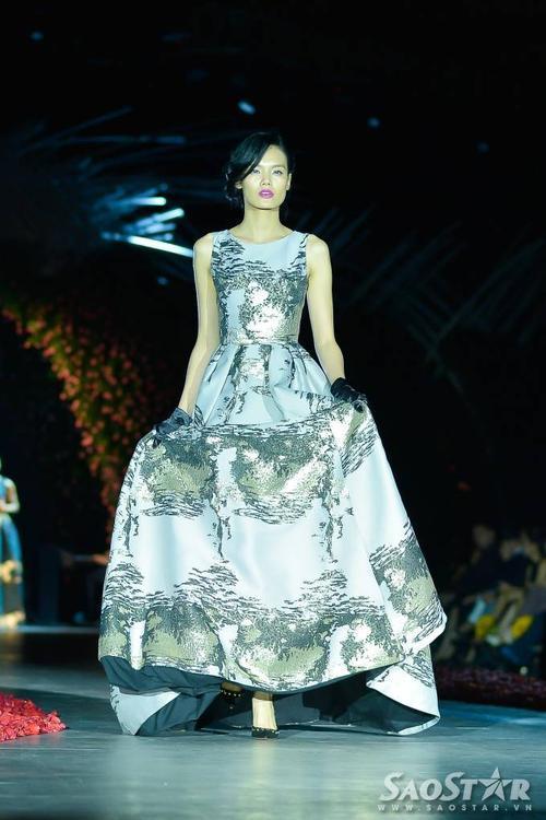 Lê Thanh Thảo yêu kiều trong mẫu váy của NTK Phương My.