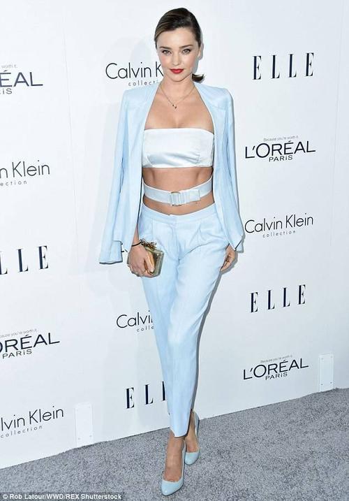 Đầu tuần qua, tạp chí thời trang Elle tổ chức sự kiện tôn vinh phái đẹp - Elle Women in Hollywood Awards ở khách sạn Four Seasons, Beverly Hills với sự tham gia của nhiều sao nữ, trong đó có chân dài Miranda Kerr.