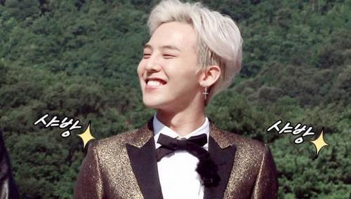 """Tham gia talkshow Go Show của đài SBS, trưởng nhóm nhạc Big Bang - G-Dragon than thở về lời nguyền anh tự đưa ra cho bản thân. """"Khi tôi sáng tác nhạc mường tượng rằng sẽ thế nào khi tôi và bạn gái chia tay, và thế là đời thực 2 tháng sau chúng tôi chia tay thật"""" - G-Dragon nói."""