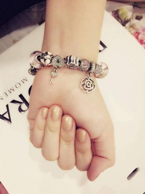 charm (7)