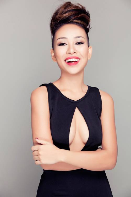 Thảo Trang dành lời khen ngợi cho giọng hát của Phạm Hương.