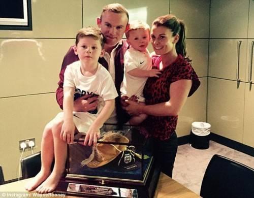 Gia đình nhỏ của Rooney chính là động lực giúp anh vững vàng trên sân cỏ.