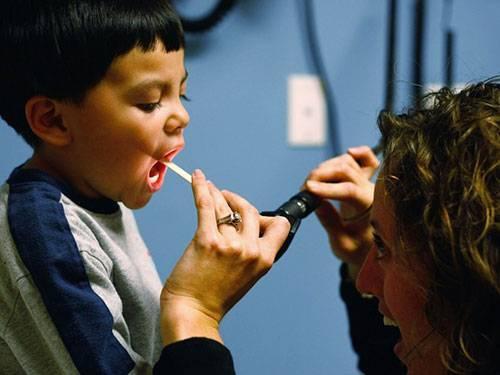 10. Phụ tá bác sĩ Lương trung bình: 44,70 USD mỗi giờ  Mô tả công việc: Cung cấp các dịch vụ chăm sóc sức khỏe, dưới sự giám sát của bác sĩ. Tiến hành khám sức khỏe, cung cấp cách điều trị và những chỉ dẫn cho bệnh nhân.